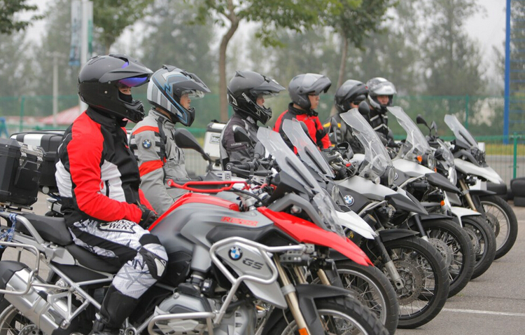 2015年���R摩托�全��巡展北京站�A�M�Y束