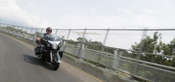享受帝王出巡的快感试驾印第安RoadMaster