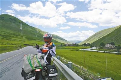 骑摩托进西藏城科两学生说走就走