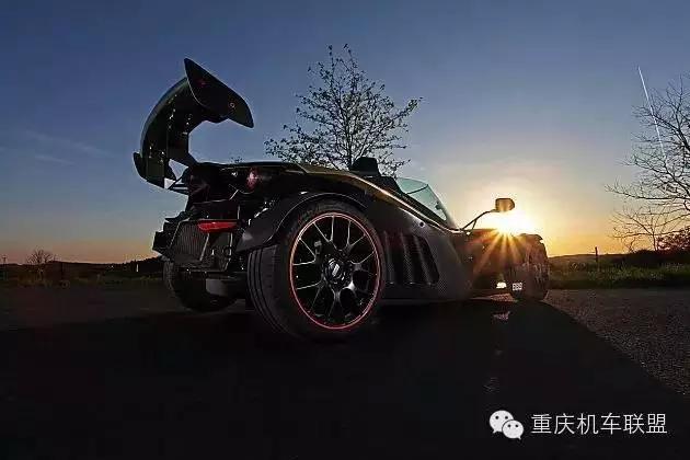 赛道野兽KTMX-BOWGT迪拜金特别版