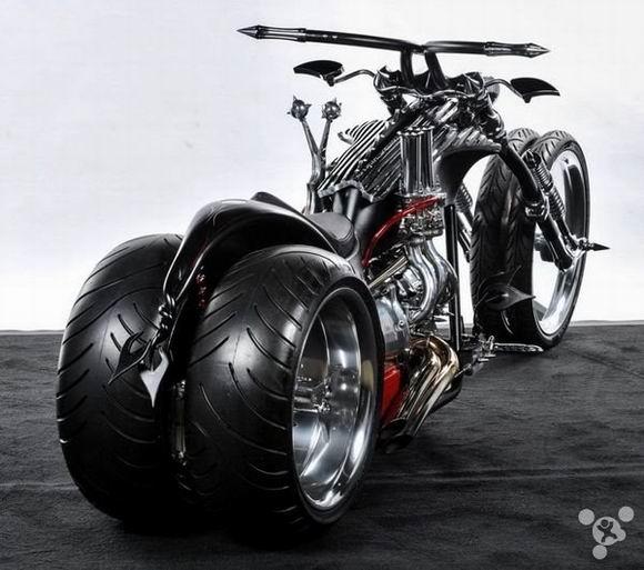超酷的四轮摩托怪兽:TwistedEvil