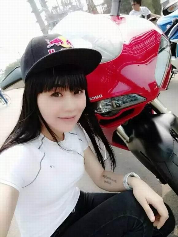 陈丹丹|和摩托车谈过一段�耪ㄌ斓牧蛋�(4)