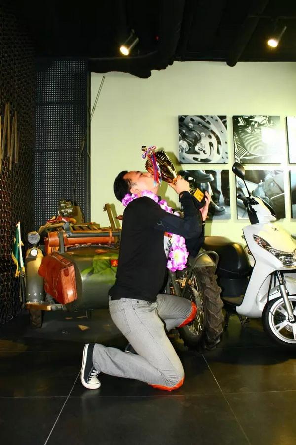 大地恒通夺得中国首届民用摩托耐力赛300CC以上组冠