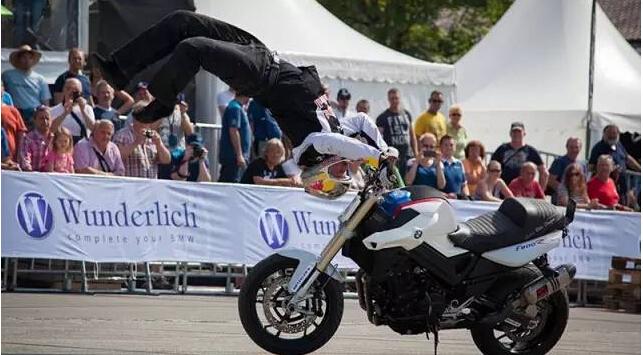 特技大师Chris与你相约宝马摩托车文化节!