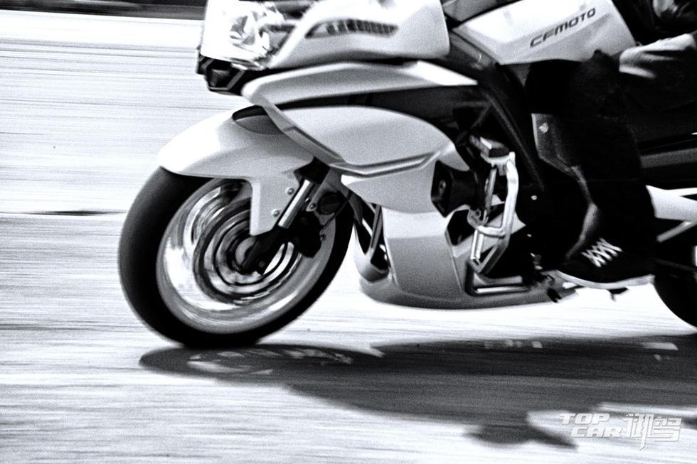 不输宝马体验春风国宾摩托车