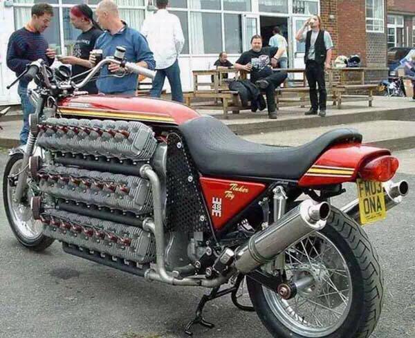 布加迪弱爆了,这辆摩托有48个气缸!