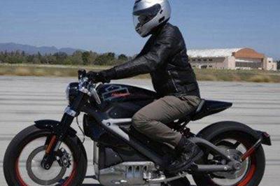 哈雷摩托发布首款电动摩托车最高时速92英里