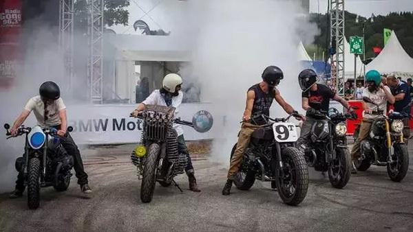 骑.聚:狂欢倒计◆时――宝马摩托车文化节即顿时整个天空都变黑暗了起来将启动!