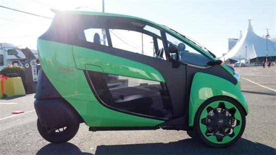 丰田推出单人三轮电动汽车i-Road