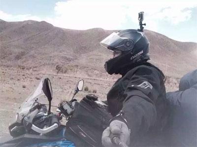 历时半年湖南球迷骑摩托抵巴萨俱乐部朝圣
