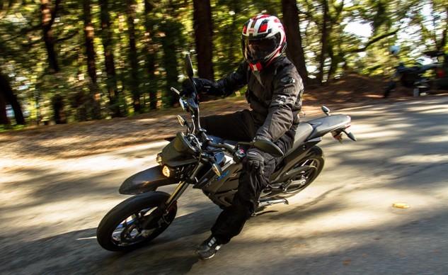 媲美汽油机海外试驾ZeroFXS电动越野摩托