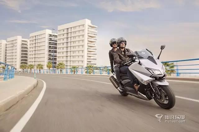 更加冷艳2016新款雅马哈运动踏板TMaxLu