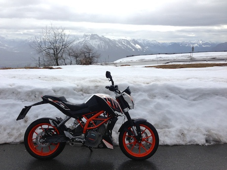冬季骑摩托依然可以又暖又安全