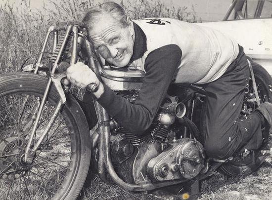 聊聊一个摩托车手以及他自己的人生
