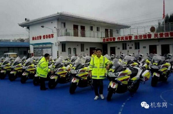 深圳交警笑了:2000万人的城市,只有我们能骑摩托