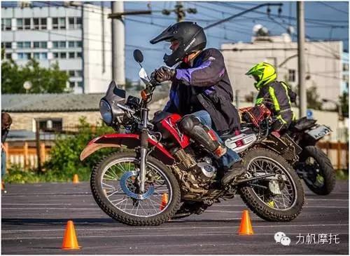俄罗斯:看战斗民族如何玩转摩托