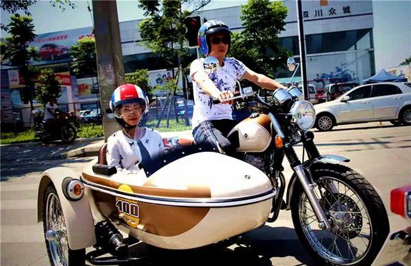 上海UBER推摩托车打车服务