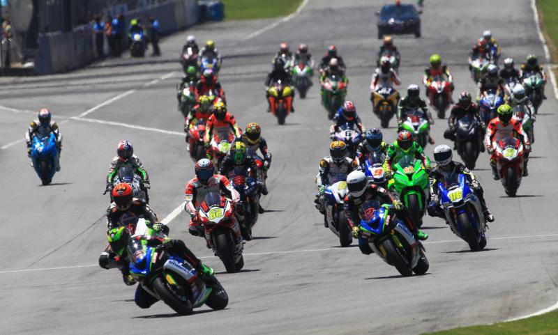 ZIC超�摩托��Race2:�R克再下一城