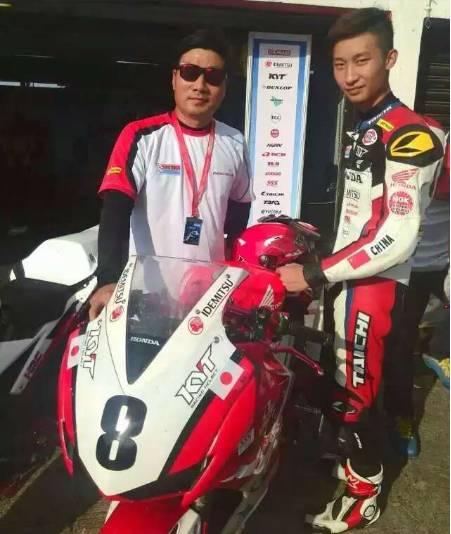 祝贺17岁车手周盛俊杰荣获ARRC印尼站亚军荣誉