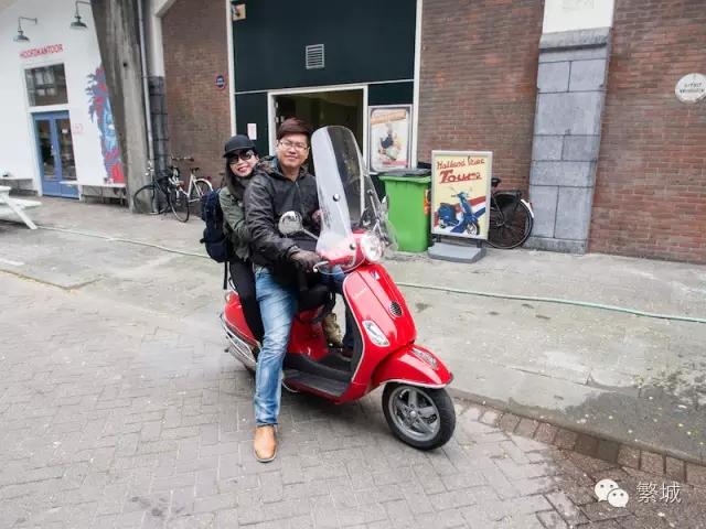 骑着VESPA畅游荷兰小镇