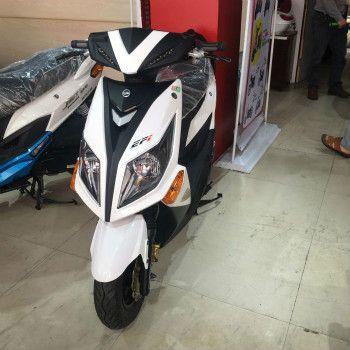 摩托车台湾三阳踏板摩托车小光炮