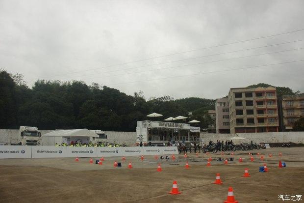 南宁中达桂宝BMW摩托车巡回体验日