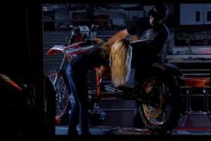 看了这个视频 才明白我们为何爱摩托车