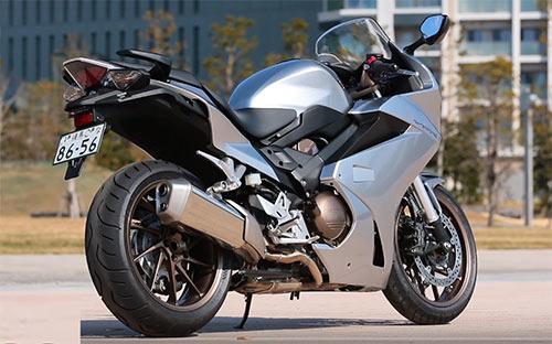 本田VFR800摩托车V4引擎我们走!