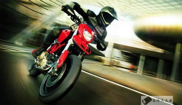 """据说有""""脚动挡""""的摩托车,比没有的更好"""