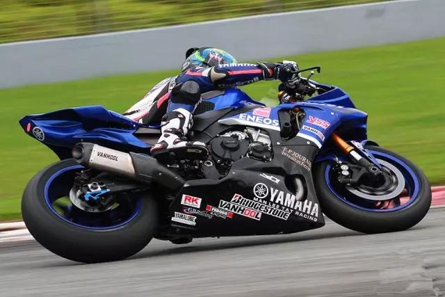 2017雅马哈r6首次试赛泛珠zic超级摩托车赛