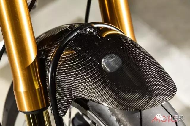 金属与皮质杜卡迪Sport Classic 1000的质感