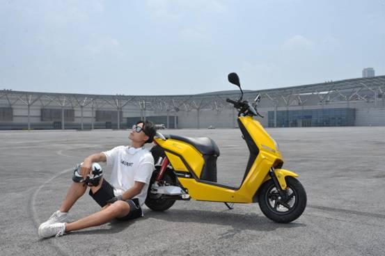 力帆首款新能源摩托车,为何能顺利上牌?