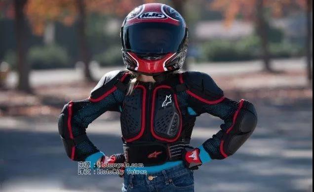 骑机车穿骑行装备是为了什么,难道只是帅吗?