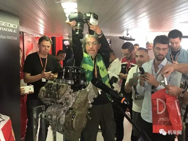 杜卡迪V4发动机正式亮相排量让人意想不到
