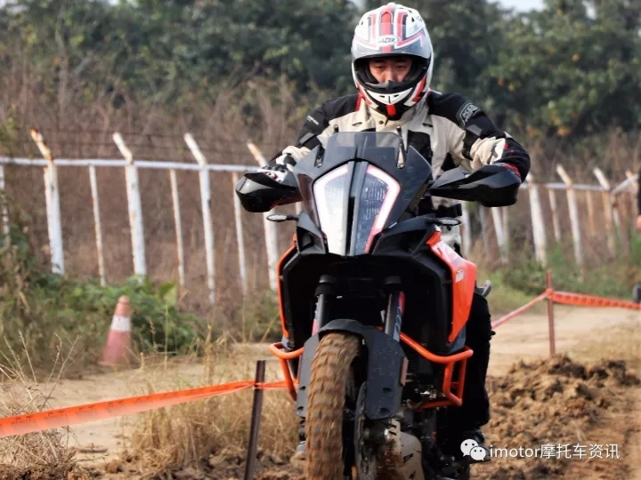imotor摩托车资讯:KTM新款售价149800起