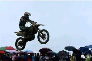 让人难以置信的摩托车特技表演