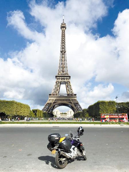 洛阳52岁男子骑YS250环游欧洲行程2.8万公里