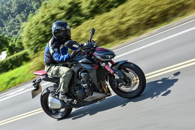 重量级funbike川崎四缸街车Z900试驾