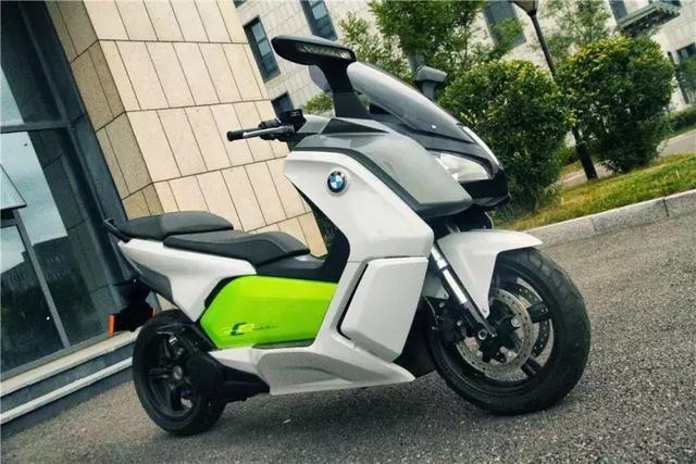 降价超五成的宝马电动摩托车你会买吗?