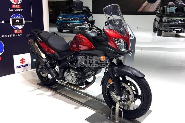 广州车展开幕 铃木带来这两款经典摩托车