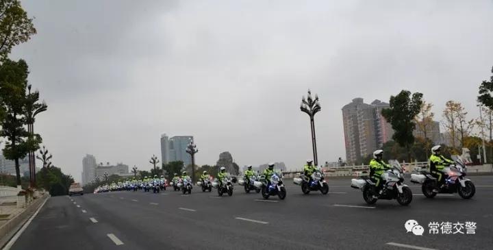 122全国交通安全日常德铁骑出击助力平安