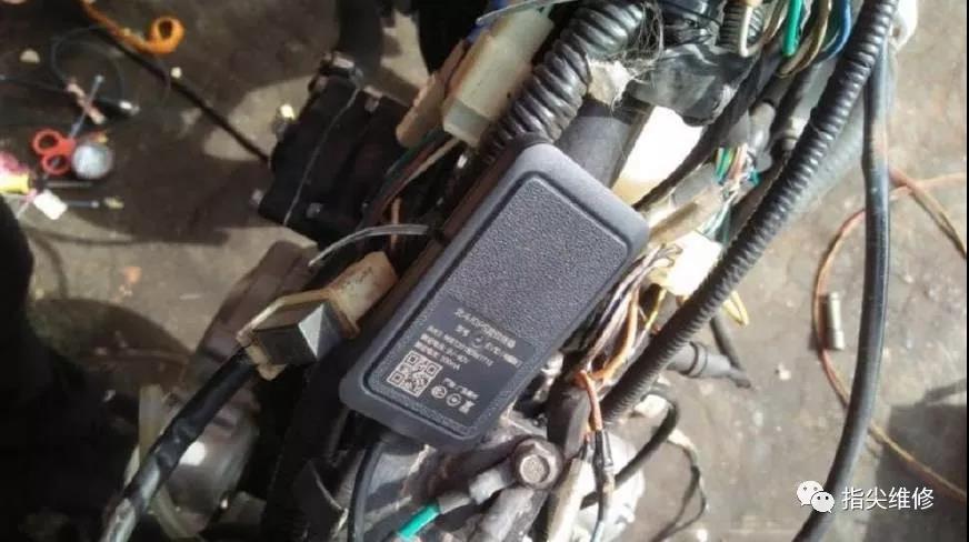 摩托车电路维修 过程要避免破线