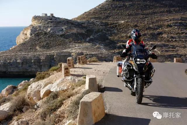 警方提示:这样骑摩托比违反禁摩处罚更重