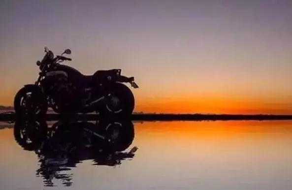 有一种情感的纽带叫摩托车