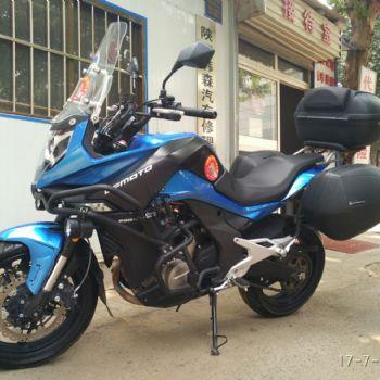 春风CF650MT摩托车