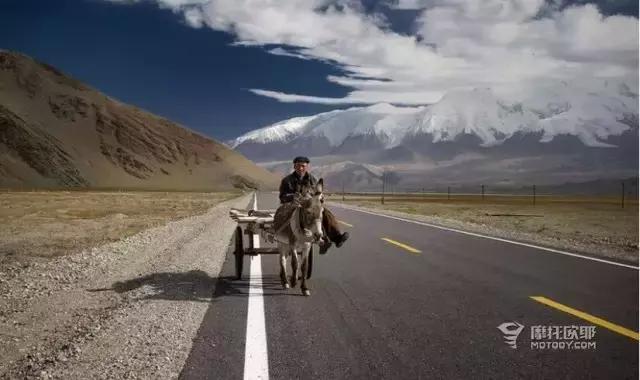 新疆这几条摩旅公路成为旅游新热门