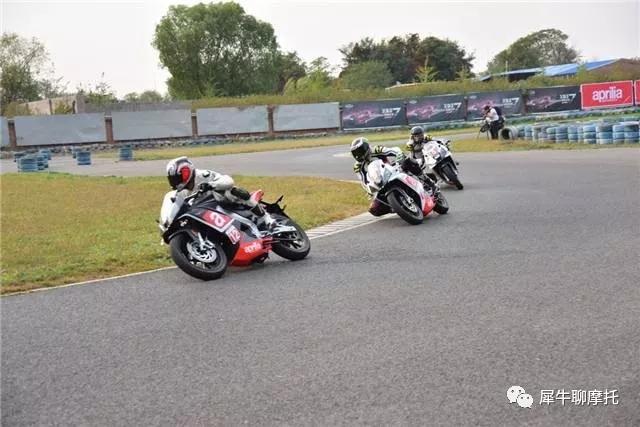 文末是重点摩托车跑山的终极技巧!