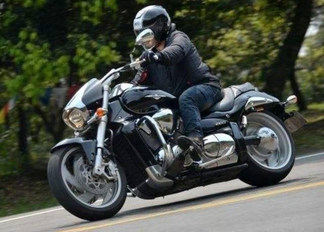 摩托车下坡正确操作方法