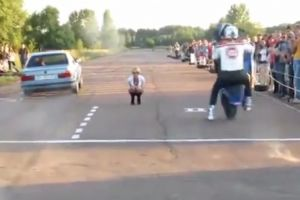 摩托车和汽车到底谁直线加速快 关键还是看人