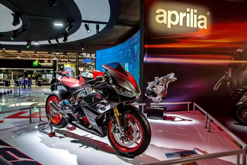 阿普利亚展示全新中量级 RS660 概念跑车